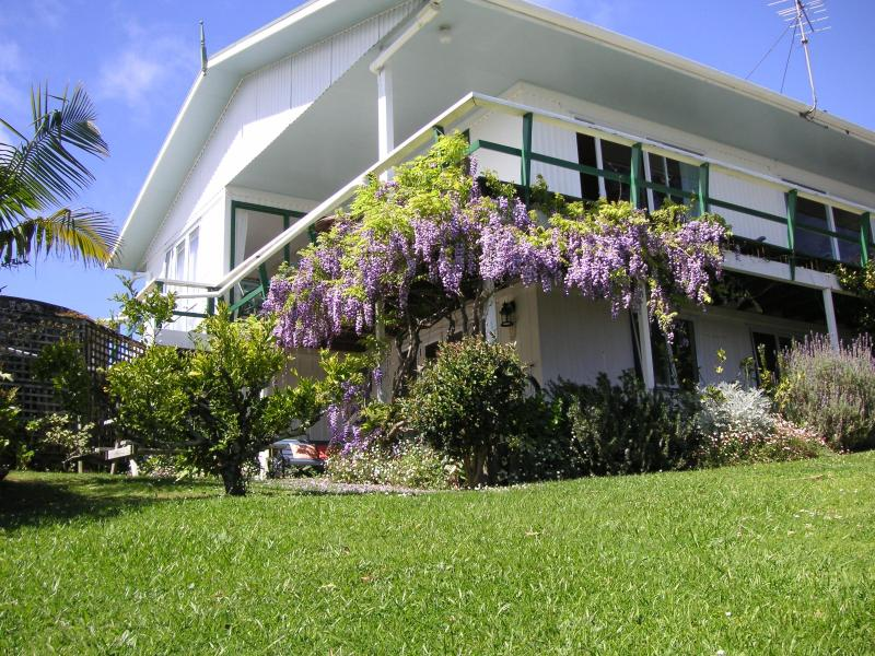 Aimeo Cottage -  with charakter, charm and seaview - Image 1 - Russell - rentals