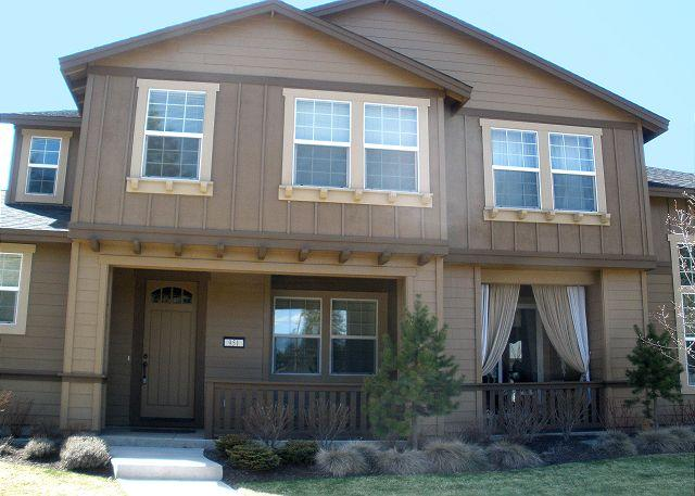 Home Front - In Downtown! Modern Home Comfort with Easy Access to Everything Bend! Hot tub - Bend - rentals