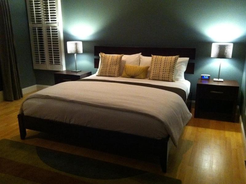 Master Bedroom - Wind and Sea Beach:  Just Steps to the Ocean - La Jolla - rentals