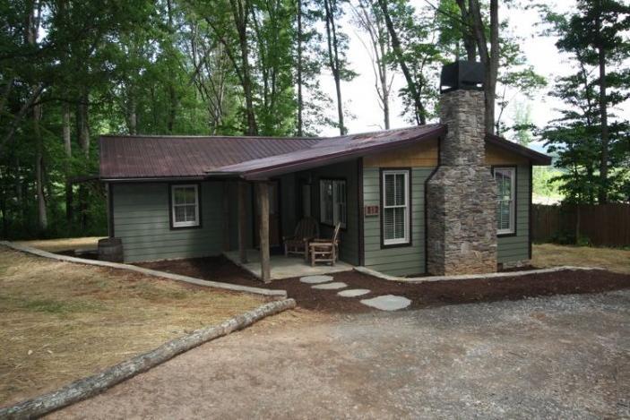 The Morgan Cottage - Image 1 - Candler - rentals