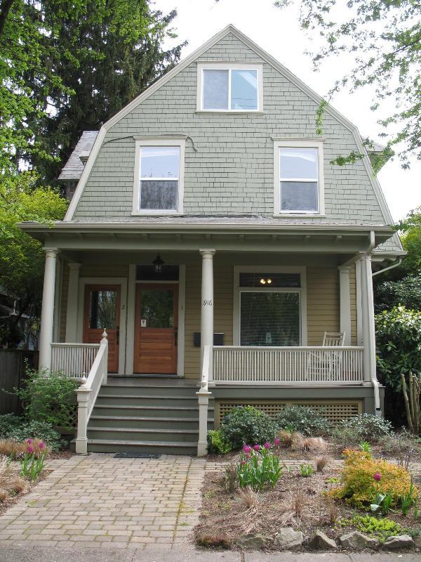 Street front - Portland vacation rental, Elegant & Affordable - Portland - rentals