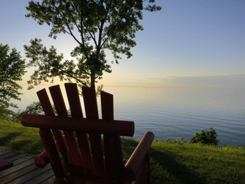 What a view! Beautiful Lake Ontario - Lakeside  Guest Cottages at Nokara Farms - Saint Catharines - rentals