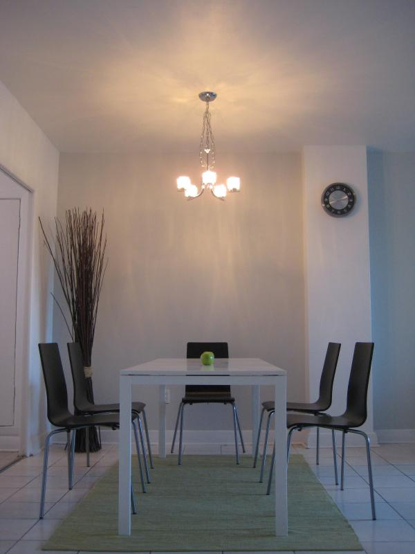 Dining Room - Only 400 meters from the Montreal Jazz Festival!! - Montreal - rentals