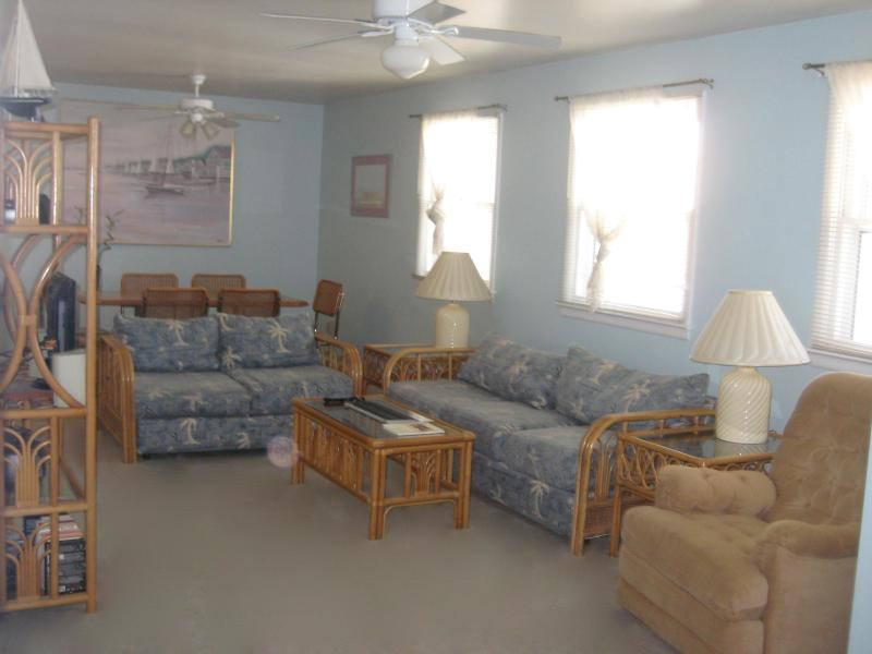 3 Bedroom Condo in Wildwood Crest, NJ (1st Floor) - Image 1 - Wildwood Crest - rentals