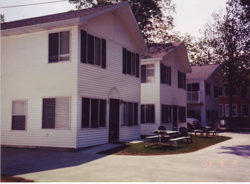 condo exterior - crewslakeside Resort - Caseville - rentals