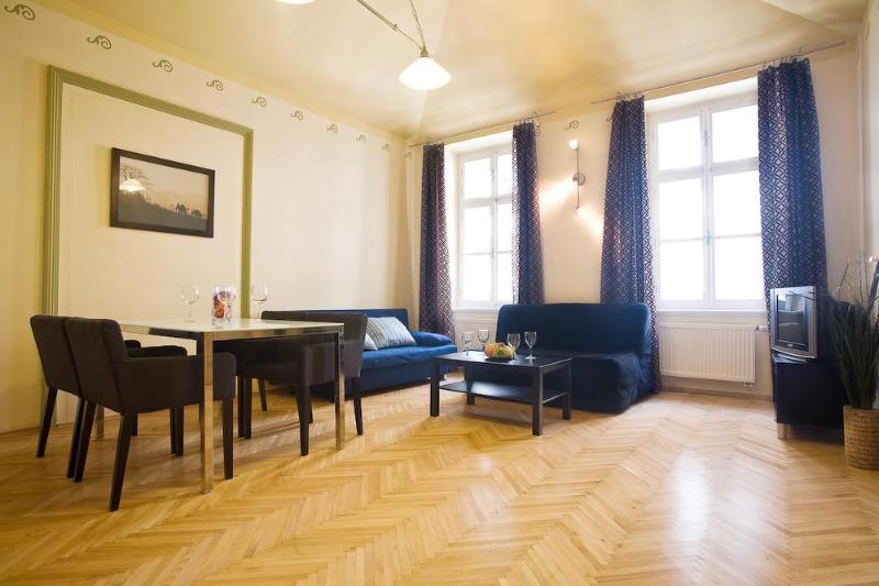 2 BR Apartment in Old Town close to Charles Bridge - Image 1 - Prague - rentals