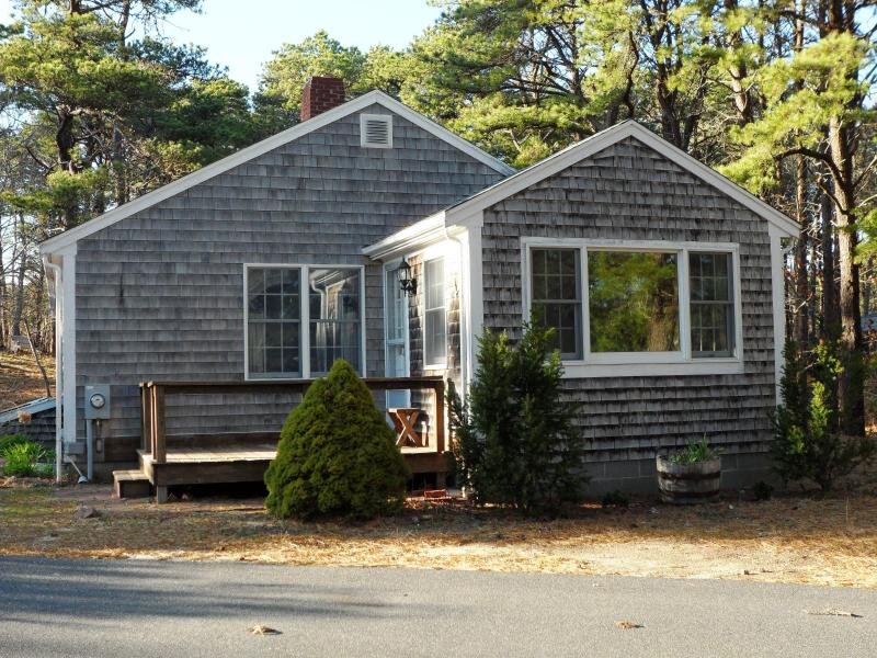 Front view - Eastham 2 bedroom family home, cranberry bog views - Eastham - rentals