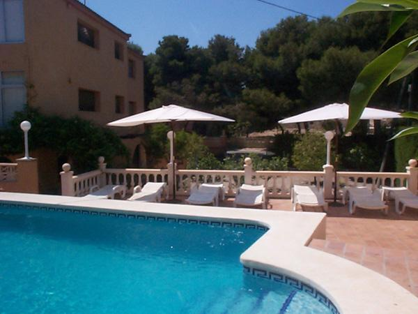Space, seclusion, and just minutes from the sea. - 10 Bedroom Villa, Sleeps 20, spectacular sea views - Campello - rentals