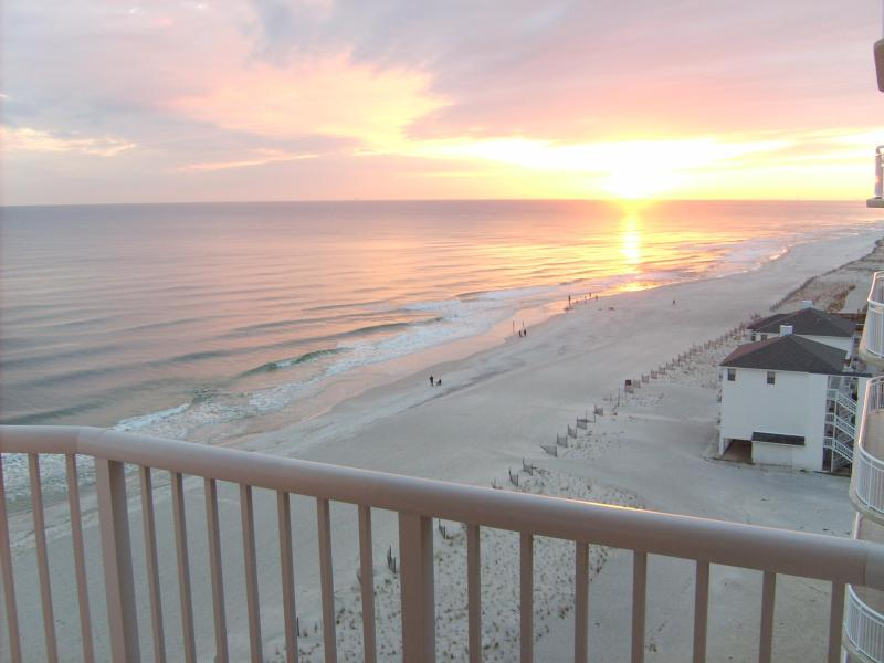 Amazing Sunsets From The Huge Balcony - Amazing 10th Floor Corner Unit- Watch Our Video!! - Gulf Shores - rentals