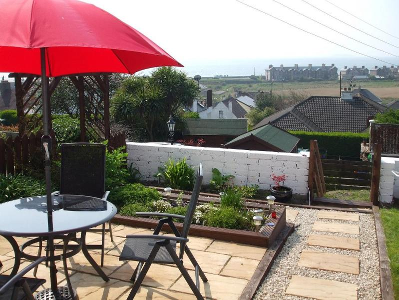 Patio area with stunning views over the Atlantic ocean - Ardcarrig Villas - Youghal - rentals