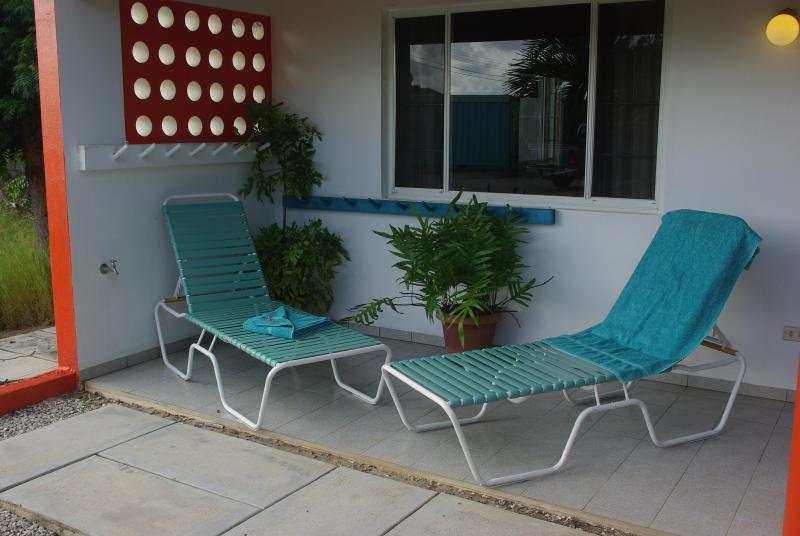 garden view terrace with chairs lounge - Rental Apartments Bonaire NONseaside + oceanfront - Bonaire - rentals