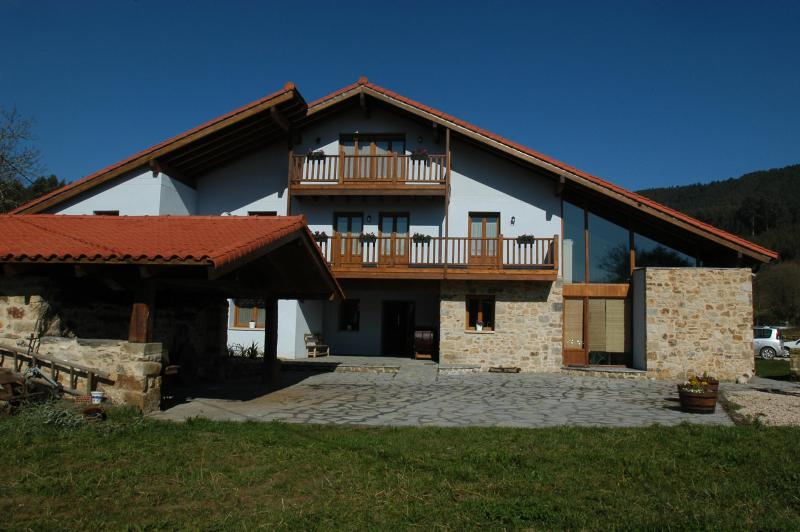 House front - Beautiful B&B farmhouse-mill close to Bilbao and the see - Mungia - rentals