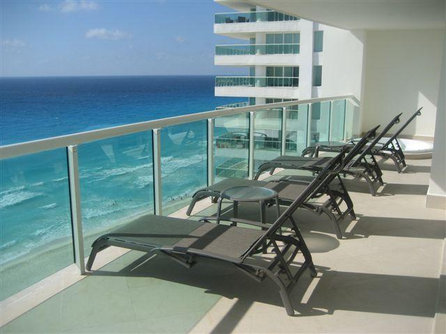 The Best Views in Cancun from Caribbean Facing Patio - Ultra Luxury 5 Bedroom 5 Bath Best in Cancun NEW! - Cancun - rentals