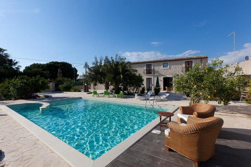 Pool - Guesthouse U Marchisi BnB with pool and wifi in Scicli - Scicli - rentals