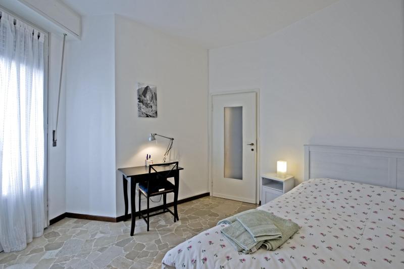 Queen room - Chiesa Rossa casa vacanze - Milan - rentals