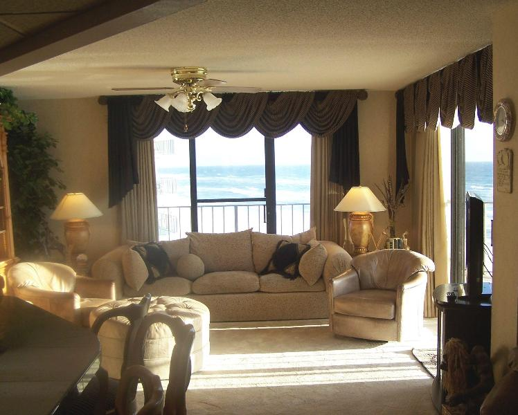 Huge Wrap-Around Balcony and Pool with 3 Bedroom Condo - Image 1 - Panama City Beach - rentals