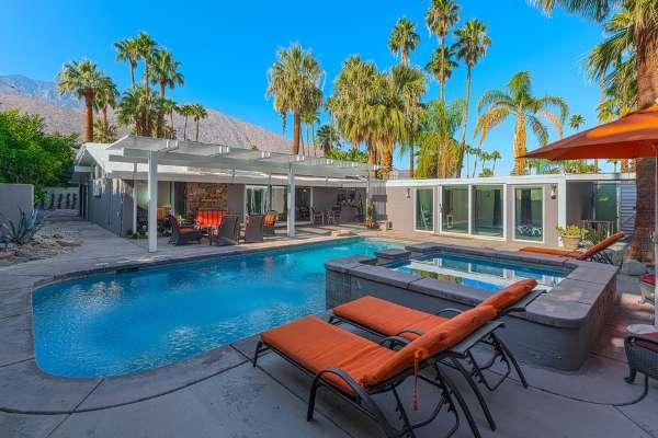 Large Saltwater Pool and Spa with West and South Mountain Views - 4140 - Palm Springs - rentals