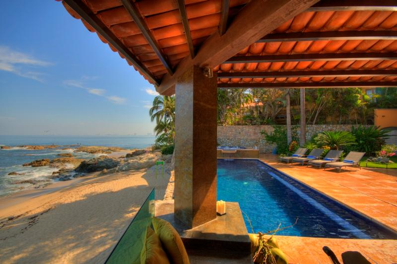 Pool & Beachside Alfresco Dining! - CASA CALETA-6-Bdrm Beachfront Villa-Conchas Chinas - Puerto Vallarta - rentals