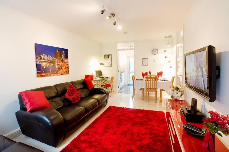 Spacious living/dining - Self Catering Belfast - Winner Tripadvisor 2012/13 - Belfast - rentals
