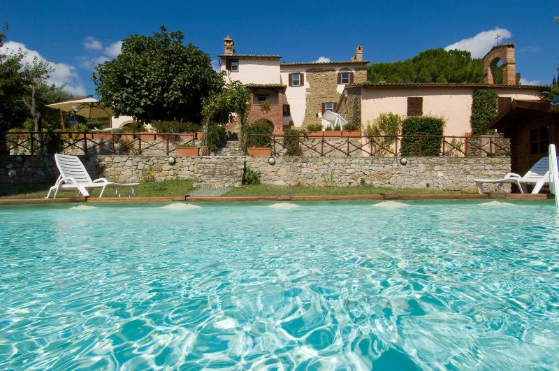 Holiday Accommodation in Umbria near Water Sports - Villa Trasimeno - Image 1 - Agello - rentals