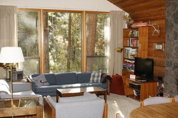 LR with view of Aspen stream and forested commons - Aspen Home 008 - Black Butte Ranch - rentals