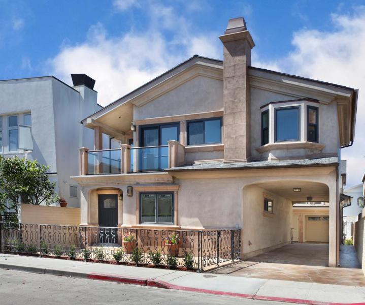 Exterior of the Home - Elegant  Newport Villa! 3 Houses To Sand! - Newport Beach - rentals