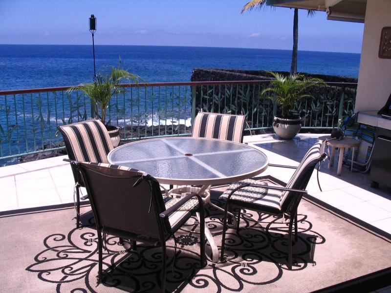180 Degree view of the Pacific Ocean from the lanai - Koa Hale-Oceanfront Home 3 BR/3 BA Sleeps 8 - Kailua-Kona - rentals