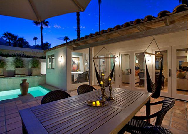 Dining Table - Bonita Bungalow ~SPECIAL TAKE 15% OFF ANY 5NT STAY  THRU AUG - Palm Springs - rentals