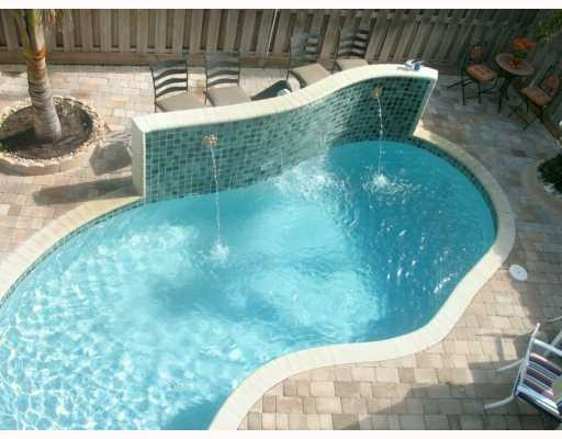 4 BDRM-4.5 BATH - LUXURY TWNHSE -CLOSE TO BEACH - Image 1 - Lauderdale by the Sea - rentals