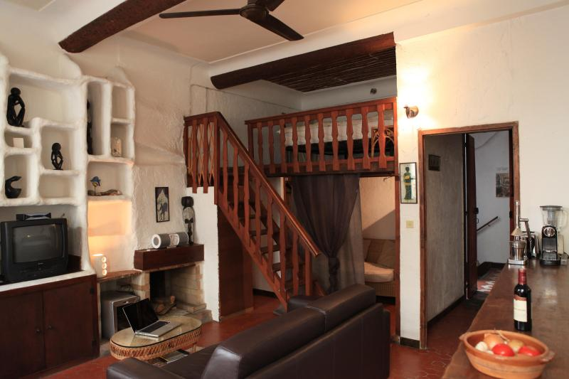 Charming apartment in the heart of Vieil Antibes - Image 1 - Antibes - rentals