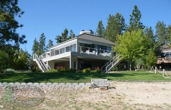 Big Bear Lakefront Backyard View - Big Bear Lakefront Cabin has beautiful views of the lake from inside and outside along the large deck. - Big Bear Lake - rentals