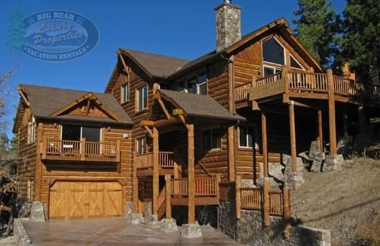 Geronimo Lodge - front of the cabin - Geronimo Lodge Cabin a gorgeous luxury log Vacation Cabin in Big Bear with views of Bear Mountain Ski Resort and relaxing outdoor hot tub. - Big Bear Lake - rentals