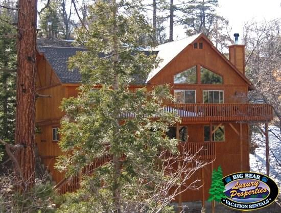 Olde Stag Lodge - Back of the cabin - Olde Stag Cabin Lodge an authentic mountain getaway is a Big Bear Vacation Cabin with incredible views and room for the whole family. - Big Bear Lake - rentals