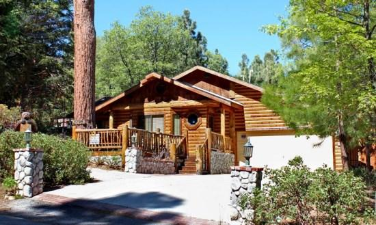 Pine Cone Lodge - Front of the cabin - Pine Cone Cabin Lodge a dog friendly Big Bear Vacation Cabin centrally located, outdoor hot tub, close to everything and perfect for the whole family. - Big Bear Lake - rentals