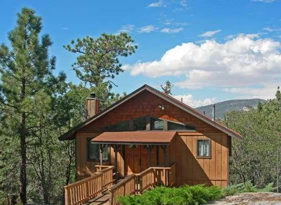 Tree Top Lodge - Front of the cabin - Tree Top Lodge - 2 Bedroom Vacation Rental in Big Bear Lake - Big Bear Lake - rentals