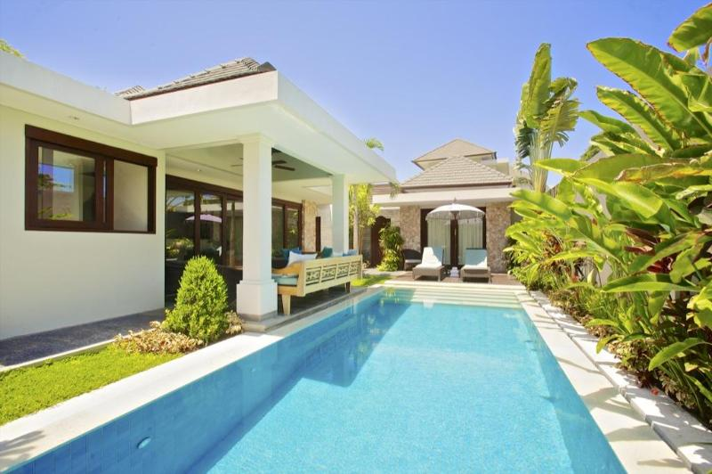 Your private pool - On the beach in Sanur:Luxury 3 bed Villa:16 Kejora - Sanur - rentals