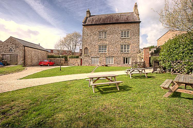 Medieval Manor - Medieval Manor House: Sleeps 16 - Caldicot - rentals