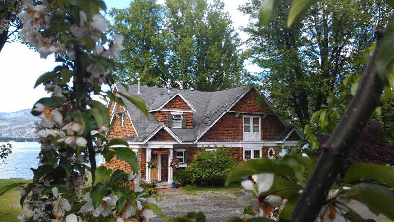 The Maples Waterfront Resort Manor House - Image 1 - Sorrento - rentals