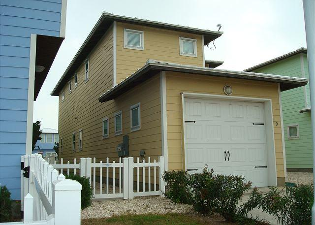 4 bedroom 2.5 bath new home in the heart of Port Aransas! - Image 1 - Port Aransas - rentals