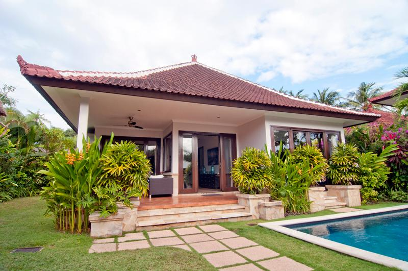 Front view of holiday villa Selaras - 2 bed room villa with private pool in Sanur, Bali - Sanur - rentals