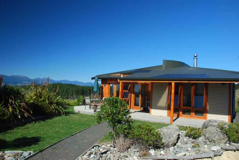 "Mapua Heights Cottage - Mapua Heights Cottage - ""A gem among gems"", Nelson - Mapua - rentals"