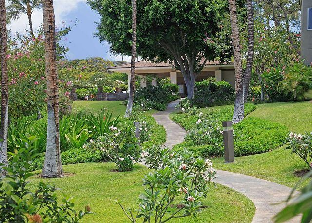 BBQ & PAVILLION AREA - FALL SPECIAL 5TH NIGHT - Beautiful upgraded 2 BR villa! - Waikoloa - rentals