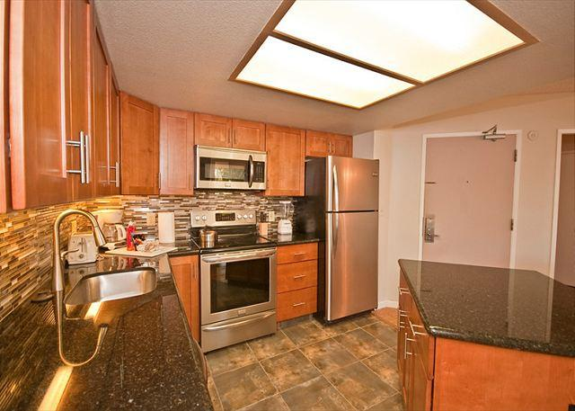 Ground-floor unit, newly renovated, close to pool and white-sand beach. - Image 1 - Kihei - rentals