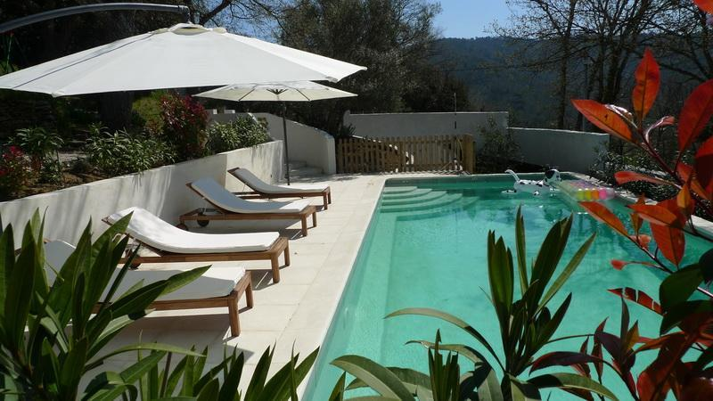 Swimmingpool from adjacent - Les Chenes Sessiles, Luxury 3 Bedroom Apartment with a Pool and Balcony - Collobrieres - rentals
