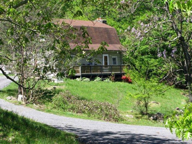 a treasure awaits you - TOP VACATION RENTAL - Smoky Mt. Cabin on 7.5 Acres - Hot Springs - rentals