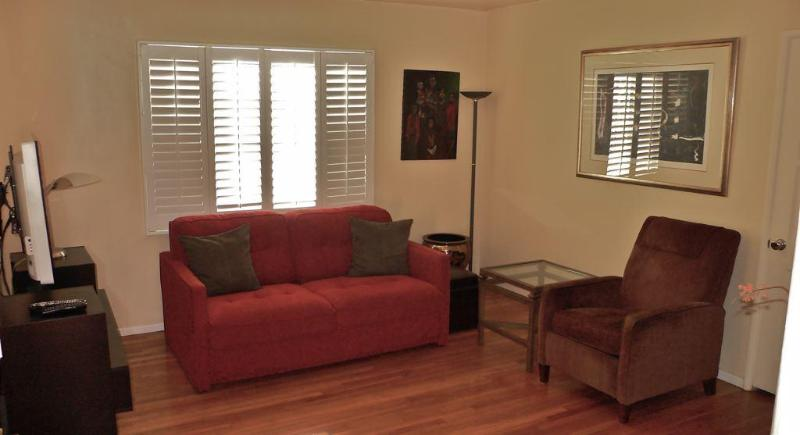 The Los Angeles West View 1 Bedroom Apartment - Image 1 - Los Angeles - rentals