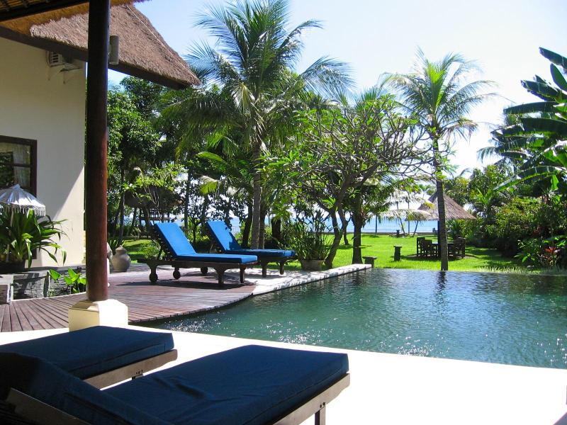Villa Buka Kecil - Luxury private beachfront Villa - Image 1 - Lovina - rentals