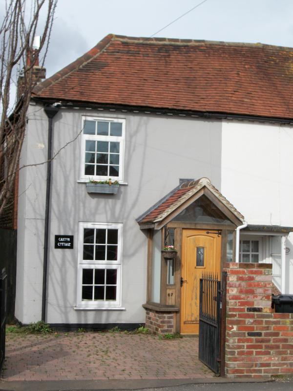 Front of Cottage - Caxton Cottage - Chichester - rentals