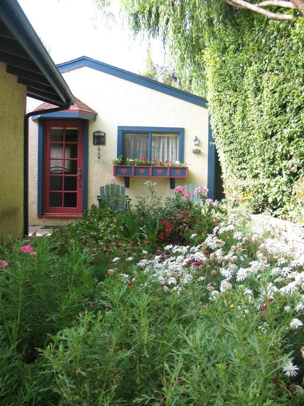 The Cottage in the Garden - The Cottage in the Garden, A Cozy Retreat with spa - Redondo Beach - rentals