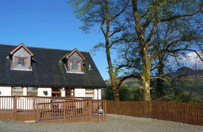 Front of cottage - Ben Lomond Cottage - Tarbet - rentals